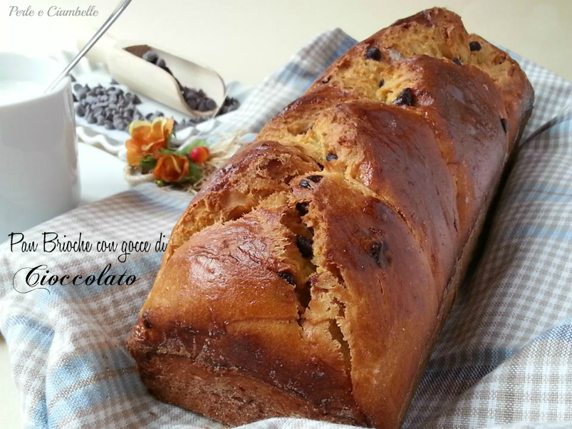 PAN BRIOCHE WITH CHOCOLATE DROPS